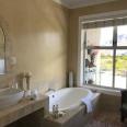 Gorgeous bathroom Ophelia
